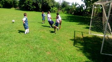 เตรียมแข่งขันกีฬา นักกีฬาอนุบาลและกองเชียร์ได้เตรียมแข่งกีฬา